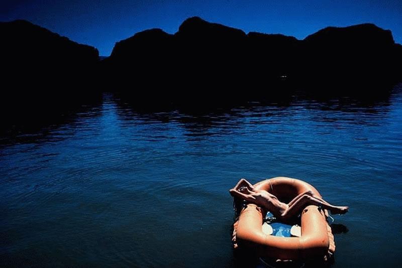 Пока муж гдето плавает...
