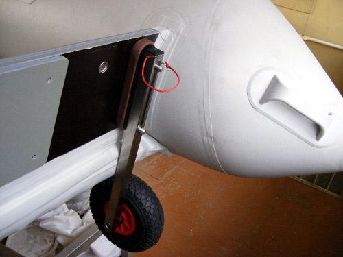 Как самому сделать колеса на лодку