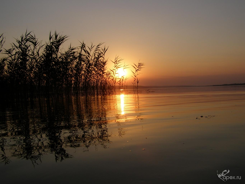 Закат на Печенежском водохранилище.