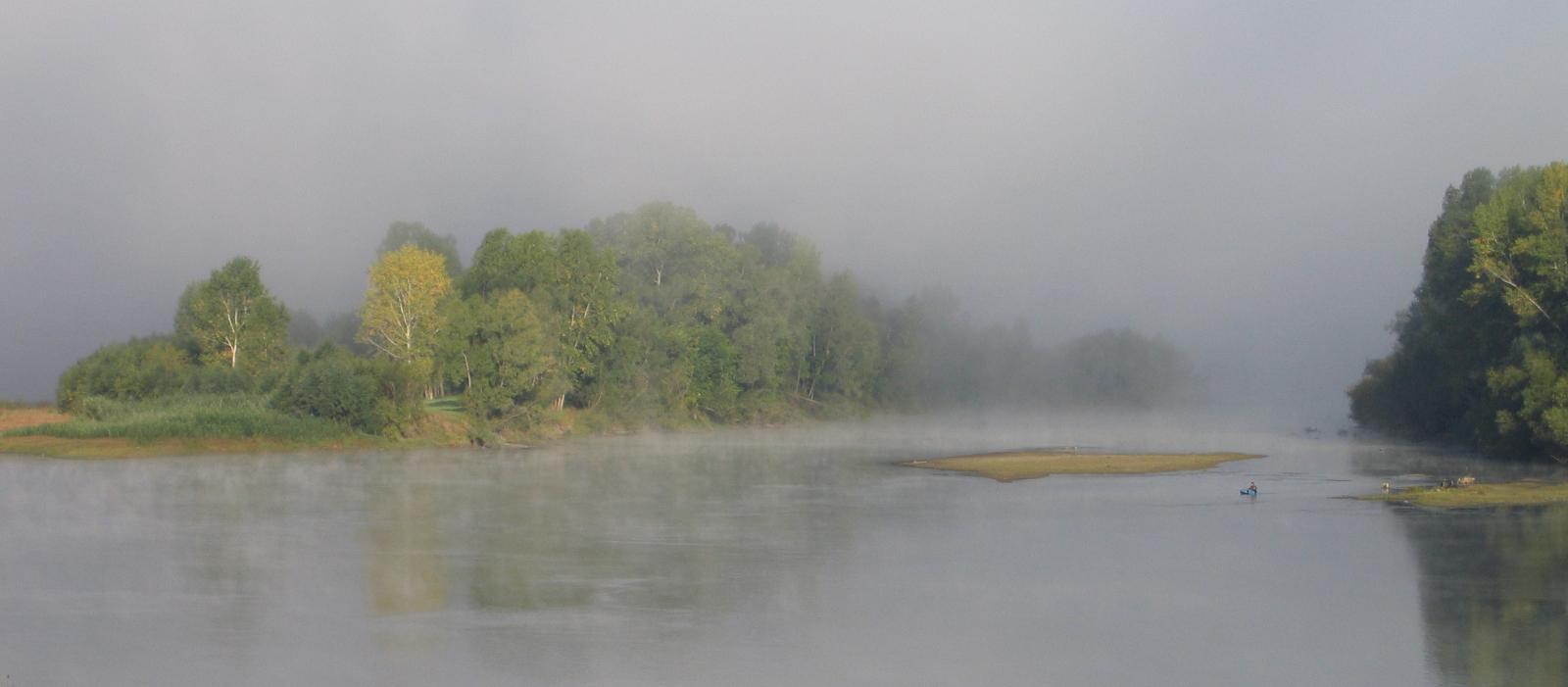 Утренняя река в ожидании ПОДВОХА!